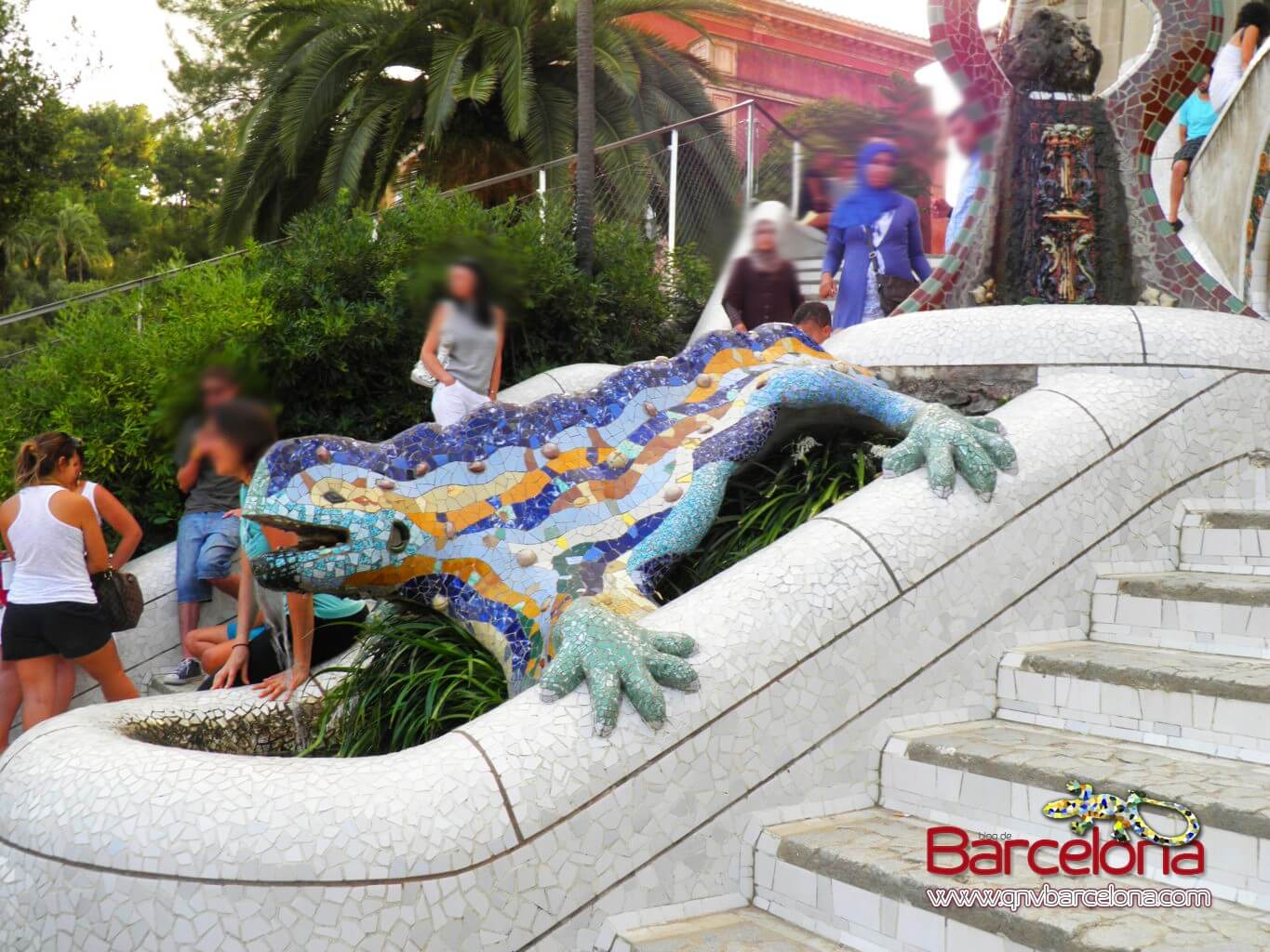 park-guell-barcelona-28