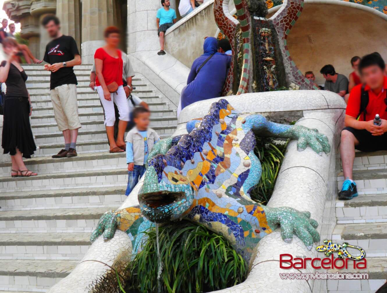 park-guell-barcelona-29
