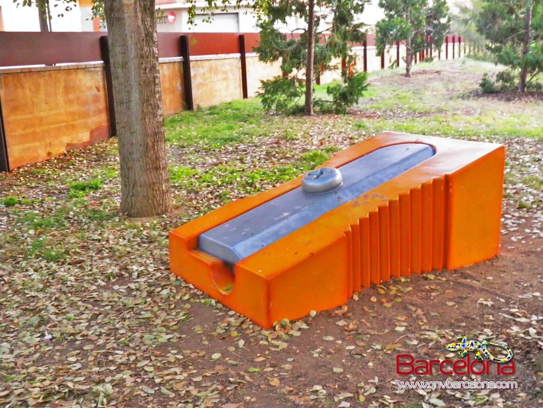 parque-figuras-gigantes-barcelona-02