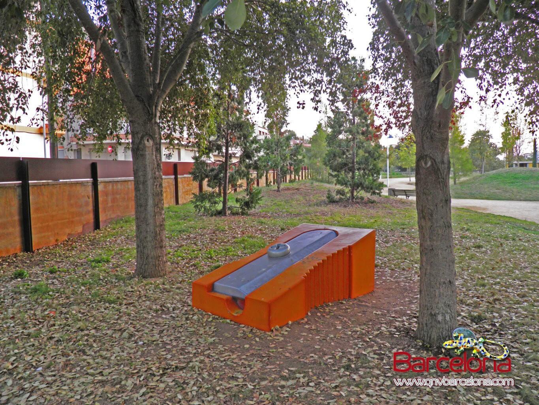 parque-figuras-gigantes-barcelona-03